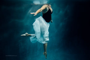 Colorado Underwater Photography, Woman in chiffon skirt